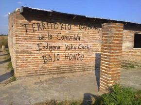 Manaos manotea tierra de campesinos indígenas y manosea a la justicia en Santiago delEstero