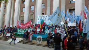 La movilización convocada por campesinos indígenas de la provincia cosechafrutos