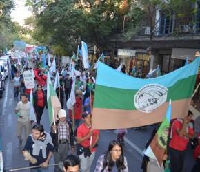 La UST movilizó más de mil de campesinas y campesinos por la ciudad de Mendoza para denunciar Grave Crisis Agropecuaria y demandar Ley de Emergencia para la AgriculturaFamiliar